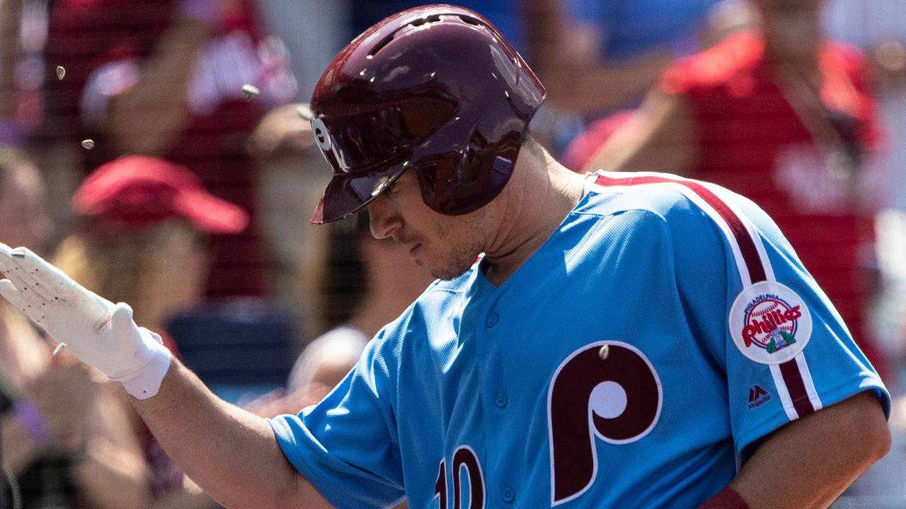 Cesar Hernandez and J T  Realmuto Lift Phillies With Home Runs
